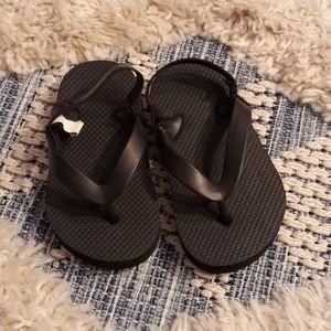 4/$20🎀TCP sandals size 6/7